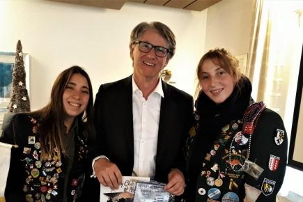 Josefina Chapelet (Argentinien), Präsident Rotarier Denis N. Kopitsis, Rachel Caton (Australien)